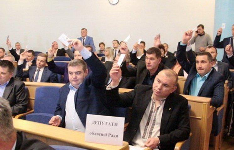 """Скандал у вінницькій """"Свободі"""" набирає обертів: депутат погрожує розкрити партійні """"договірняки"""""""