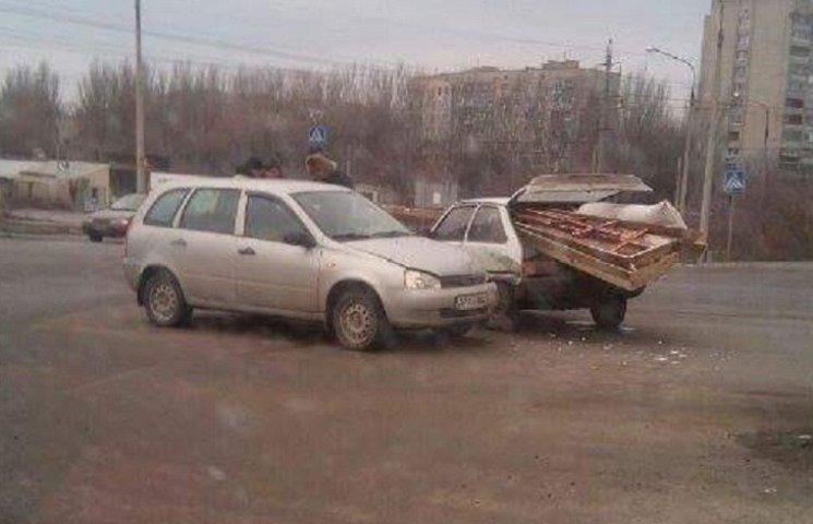 У Запоріжжі машина з труною потрапила в аварію