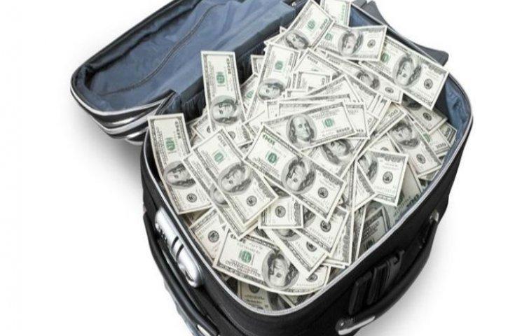 На Росії у безробітного вкрали валізу з 20 мільйонами