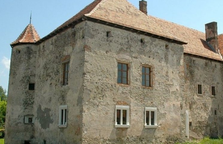На Закарпатті є єдиний в Україні замок, який має господаря