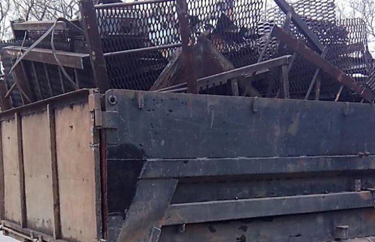 Сумська поліція затримала три автівки з металобрухтом