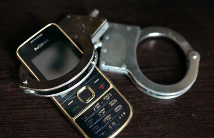 У Сумах розшукують зловмисників, що обікрали магазин мобільного зв