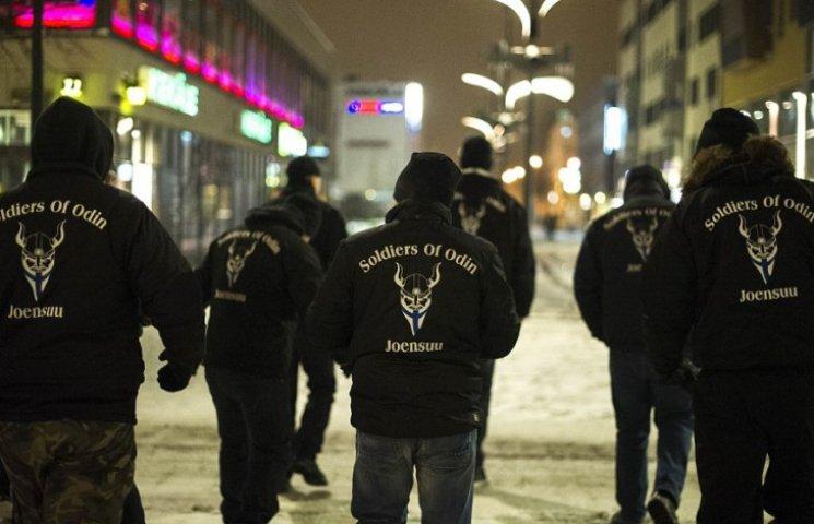Как финские нацисты патрулируют улицы, чтобы защищать женщин от мигрантов