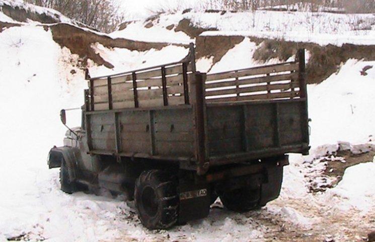 Мешканця Чернігівщини спіймали за незаконним видобуванням піску на Сумщині