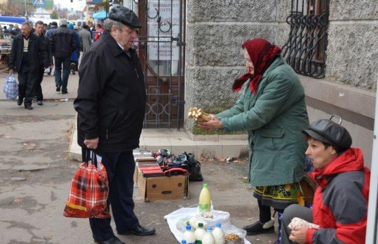 """У Миколаєві """"перекриють кисень"""" стихійним торговцям"""