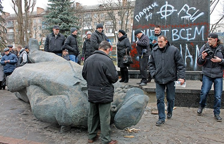 У Чернігові шукають викрадачів Леніна
