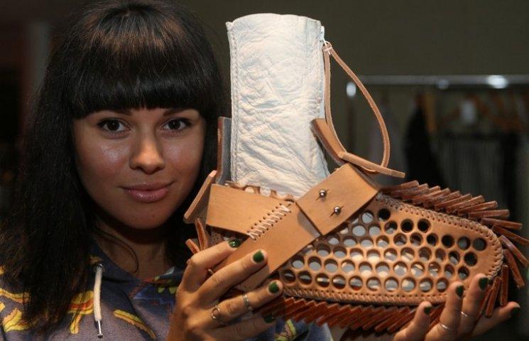 Як українська дизайнерка шила черевики під знеболювальним