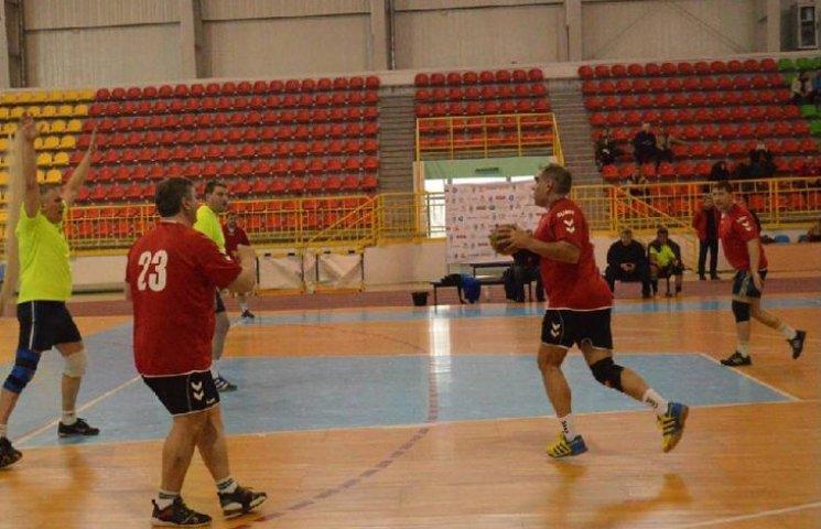 У Сумах пройшов I Всеукраїнський турнір з гандболу серед команд-ветеранів