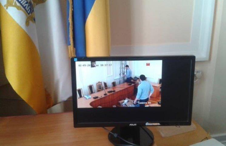 Відтепер Тернопільська міськрада працюватиме під прицілом… відеокамер
