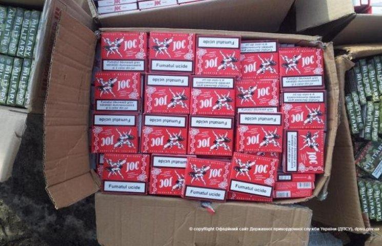 На Вінниччині затримали контрабанду молдавських цигарок