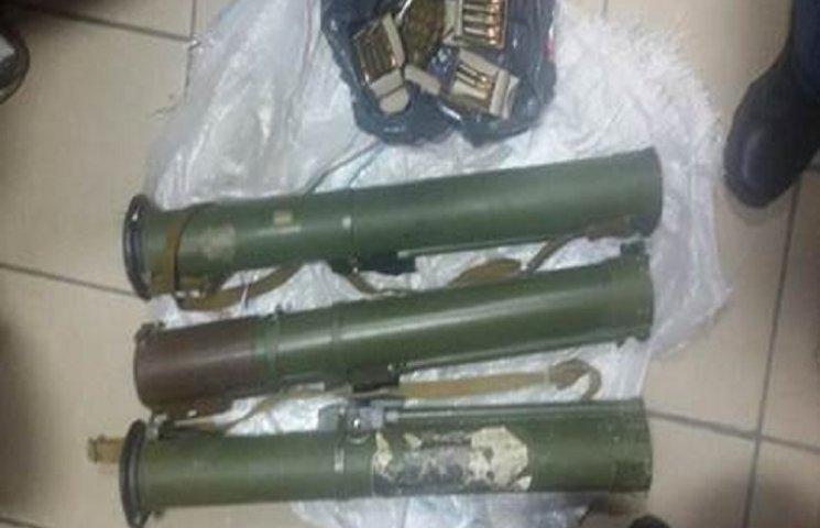 Зброю у Тернопіль із АТО пересилали поштою
