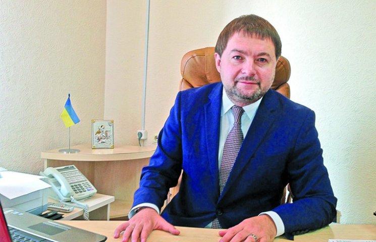 Печерский суд возобновил на должности взяточника с Госслужбы занятости