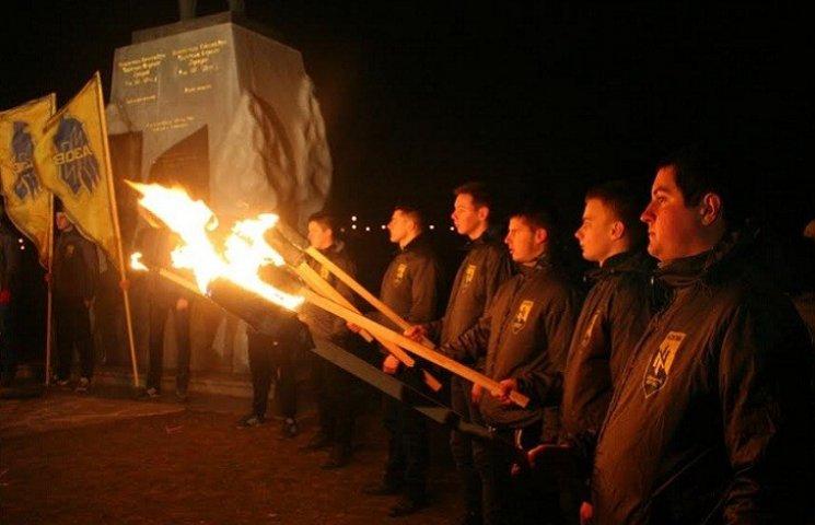 """У річницю звільнення Широкиного в Запоріжжі пролунали позивні загиблих """"азовців"""""""