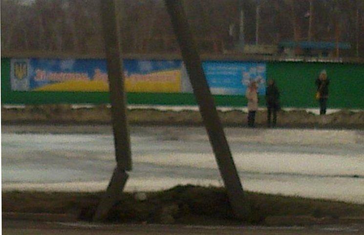 В Сумах у будь-який момент на голови людям може впасти бетонний стовп