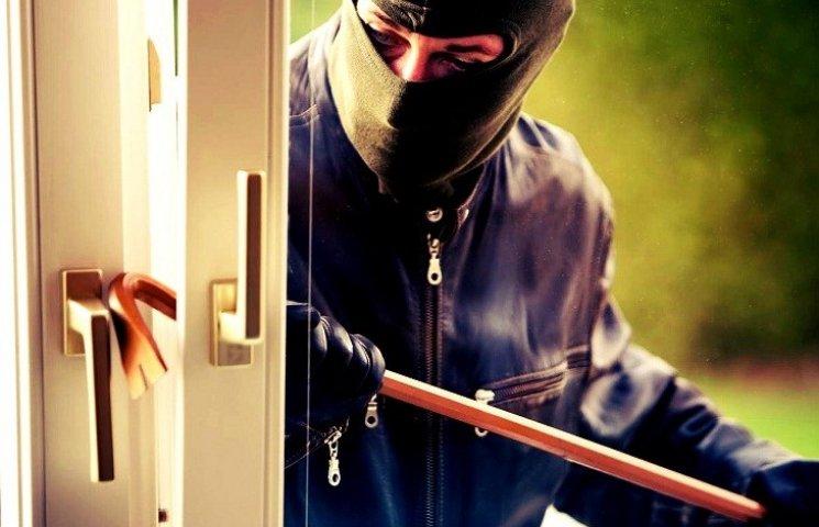 У Вінниці затримали банду квартирних крадіїв