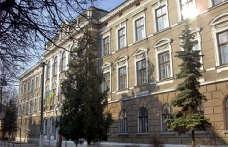 У тернопільській гімназії відмінили пільги для дітей АТОшників