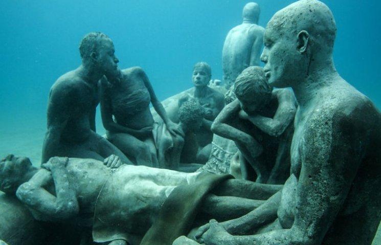 Як виглядає підводний музей в Атлантичному океані