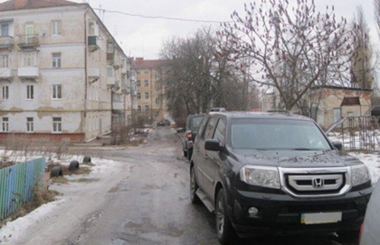 Вся поліція Сумщини ловить грабіжника, який відібрав в пенсіонера більше ста тисяч гривень