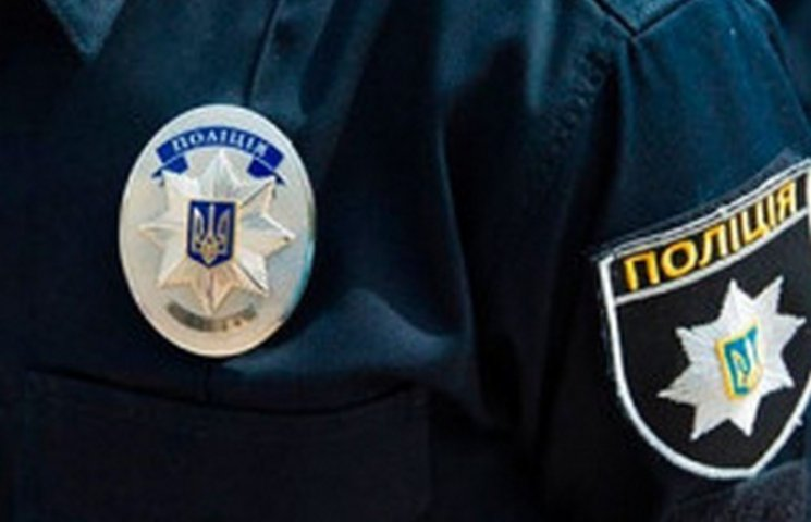 Тернопільських поліцейських продовжують лупцювати