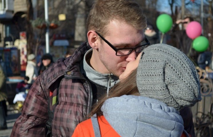 Запорізька молодь мріє одружитися. Принаймні на годинку