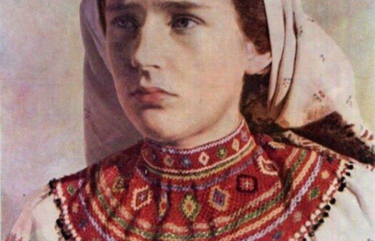 Які комірці з бісеру носили лемківські жінки