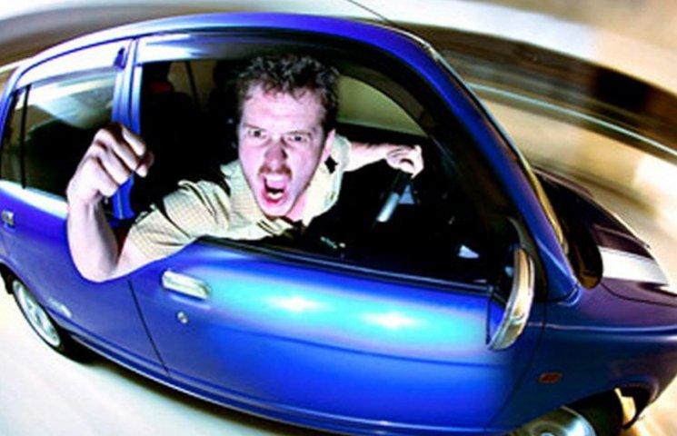 """На Херсонщині таксисти перевозять людей """"під ширкою"""""""