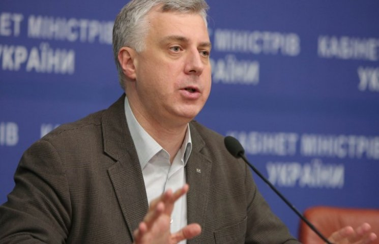 Міністр освіти заборонив портрети Порошенка в школах