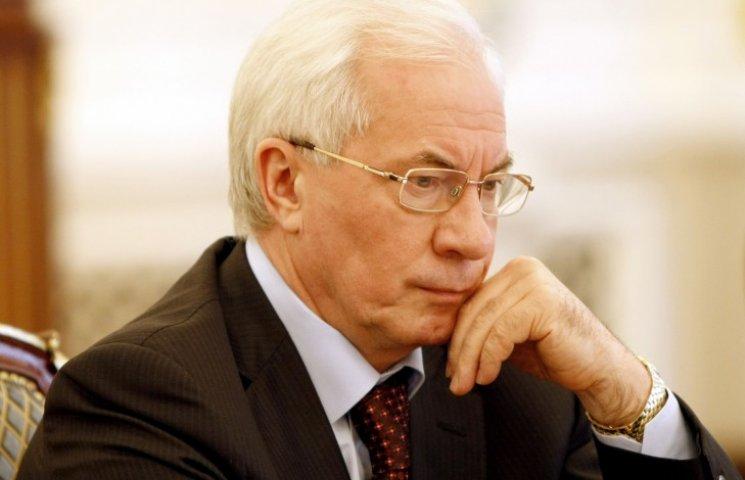 Азаров шкодує, що Янукович не роздавив Євромайдан танками