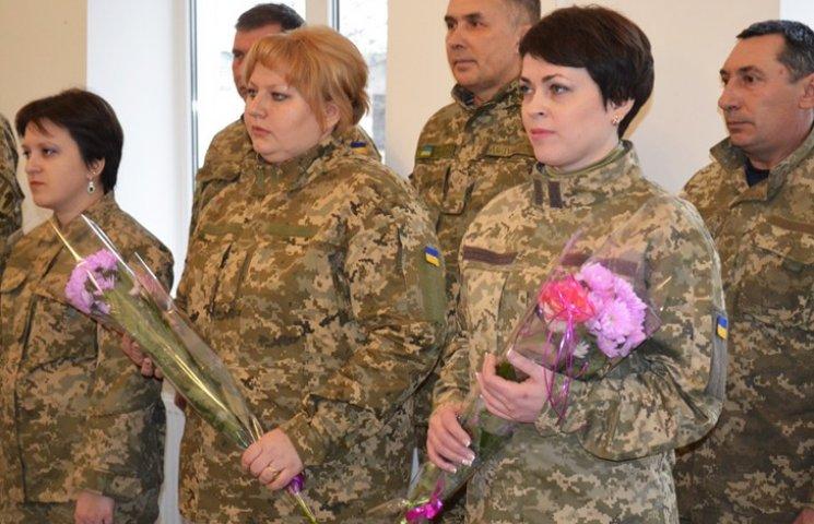 Дві бухгалтерки з Конотопу вступили до лав Збройних сил України