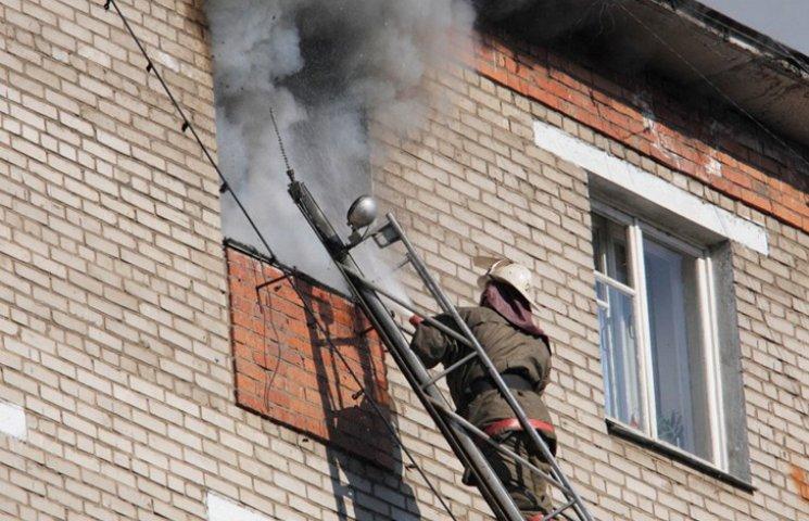 Рятувальники евакуювали з пожежі шістьох сумчан