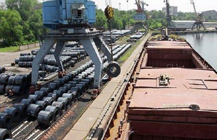 """Погодні умови лютого дозволили відкрити навігацію на Дніпрі і почати експорт продукції комбінату """"Запоріжсталь"""" через Запорізький річковий порт"""