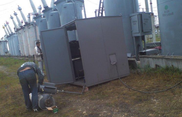 Зловмисники на Сумщині примудрилися злити 222 кг мастила з трансформатора під напругою 10 тисяч вольт