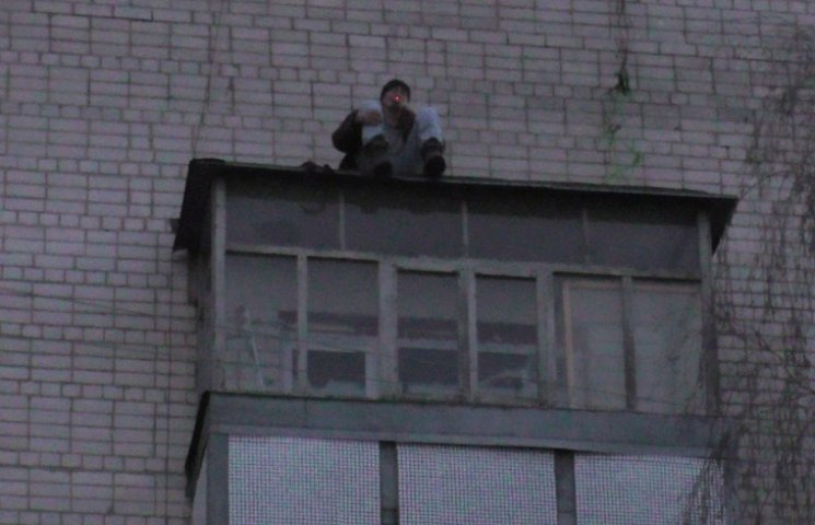 Чернігівець мало не вбився, стрибаючи по балконах п
