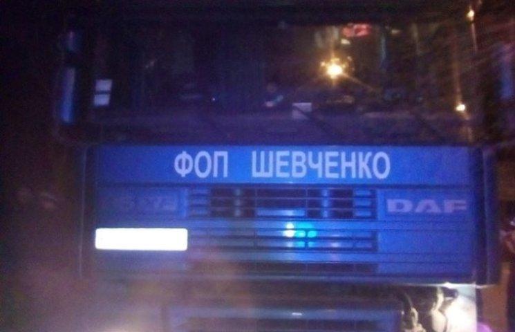 """У Миколаєві водія фури скандальновідомого перевізника повідомили про """"засідку"""", - активіст"""