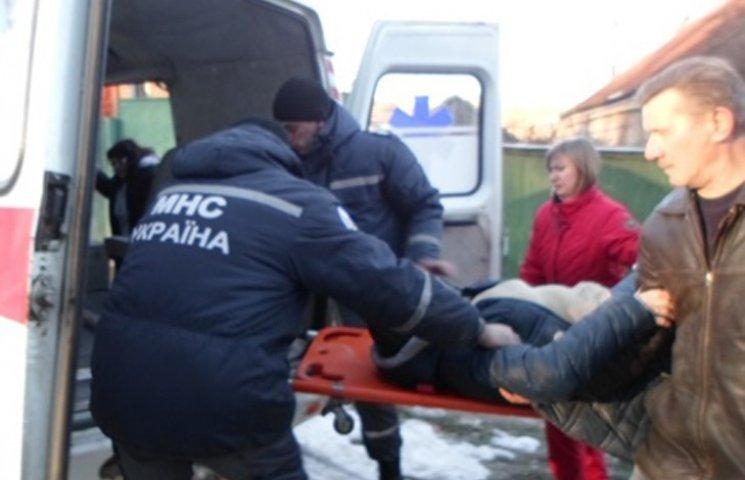 Рятувальники деблокували жінку-пасажира з понівеченого авто