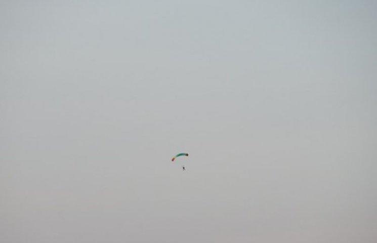 На Запоріжжі десант парашутистів перелякав місцевих мешканців