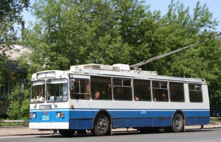 У Миколаєві пасажири тролейбусу вимушені чекати, поки водій повернеться з диспетчерської