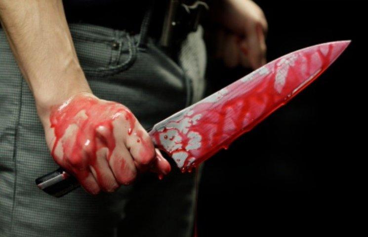 У Миколаєві підліток 25 разів вдарив ножем чоловіка, який насмілився зробити йому зауваження