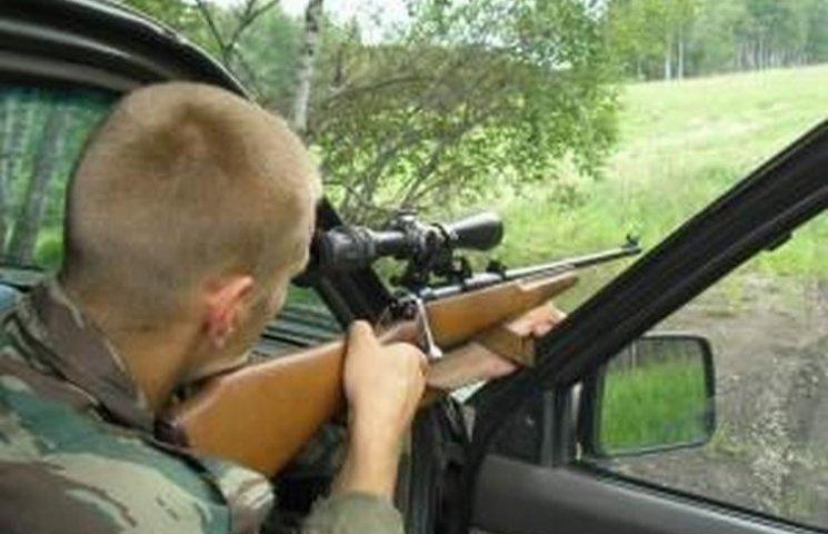 На Хмельниччині браконьєри тікали від єгеря і відстрілювались