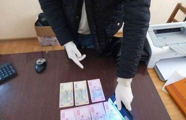 На Тернопільщині СБУ затримала депутата за хабар в 2 тис. грн