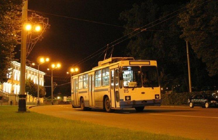 Рух одного з нічних тролейбусів в Хмельницькому змінено