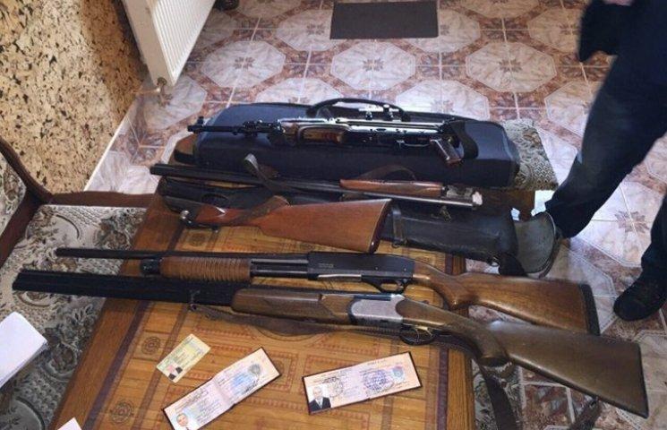 """Какое оружие раздает Минобороны: гангстерский """"Томпсон"""", чекистский """"Маузер"""" и суперменский """"Кольт"""""""