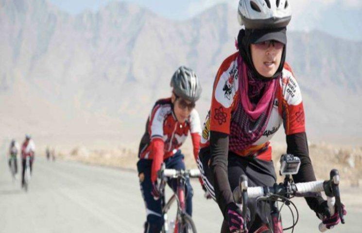 Жіноча збірна Афганістану з велоспорту може отримати Нобелівську премію