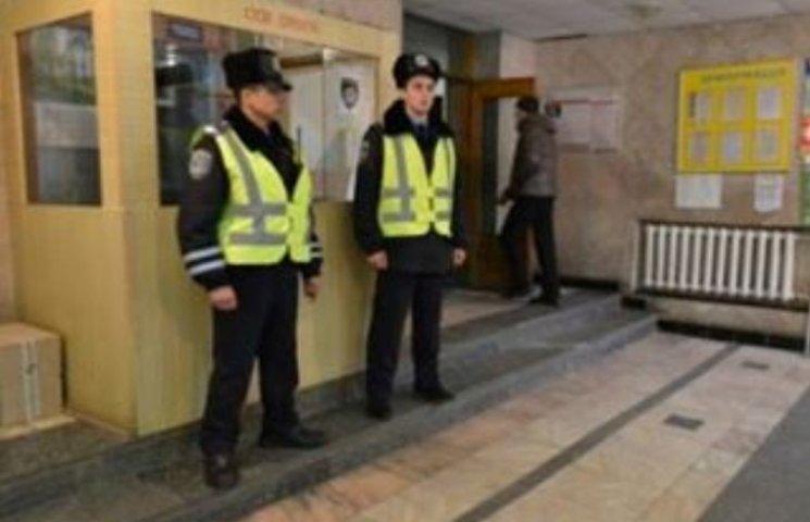 У Миколаєві лікарню швидкої меддопомоги теперь охоронятиме поліція