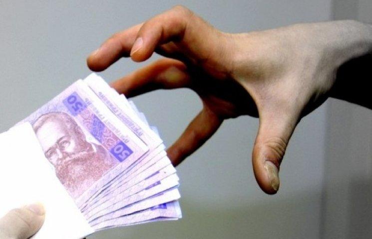 Хмельницьке УСБУ викрило оборудку з коштами на Луганщині