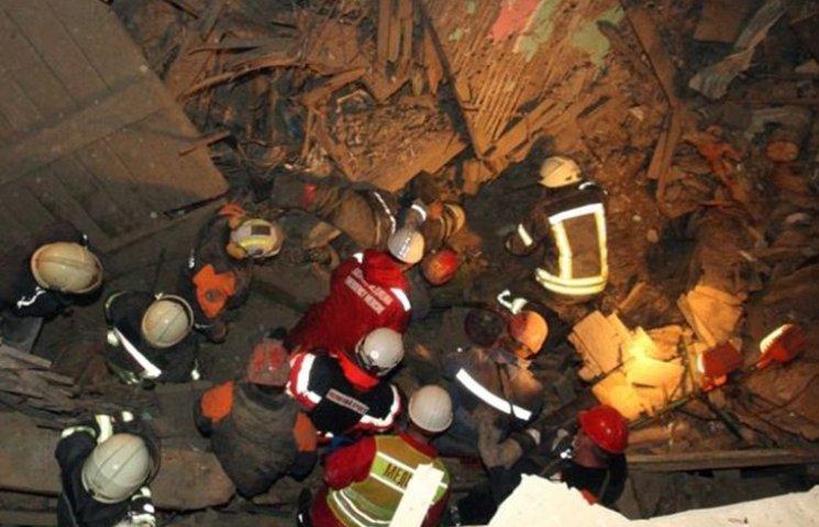 Спасатели показали последствия обвала дома в Киеве