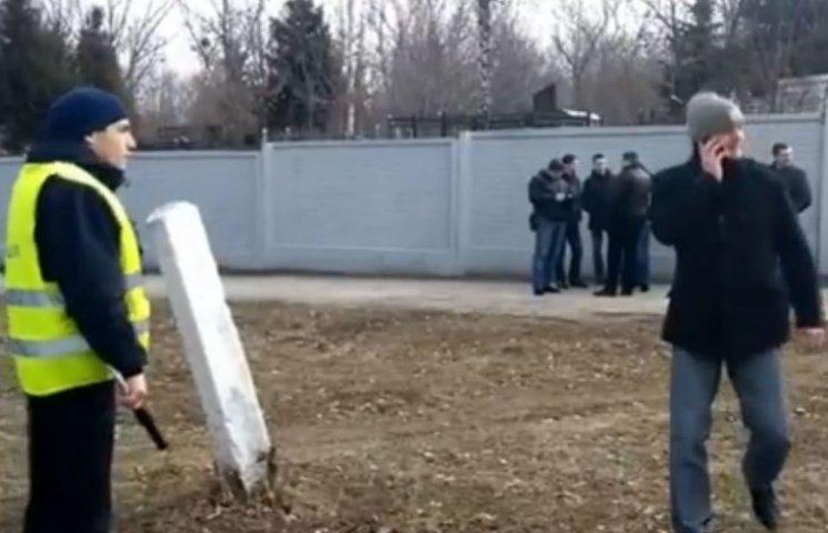 Друга Кернеса на цвинтарі розстріляли із автомата, – ЗМІ