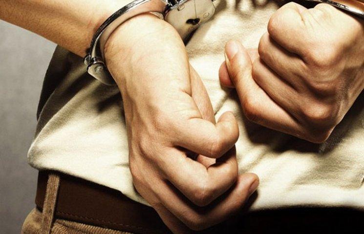 У Хмельницькомуі злодій грабував, вже відбуваючи покарання