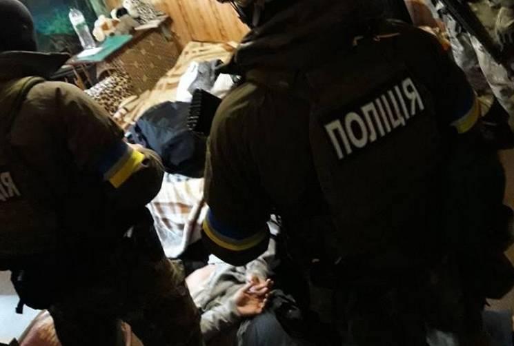 Спецназовцы задержали гранатометчиков, которые ранили пятерых полицейских вДнипре