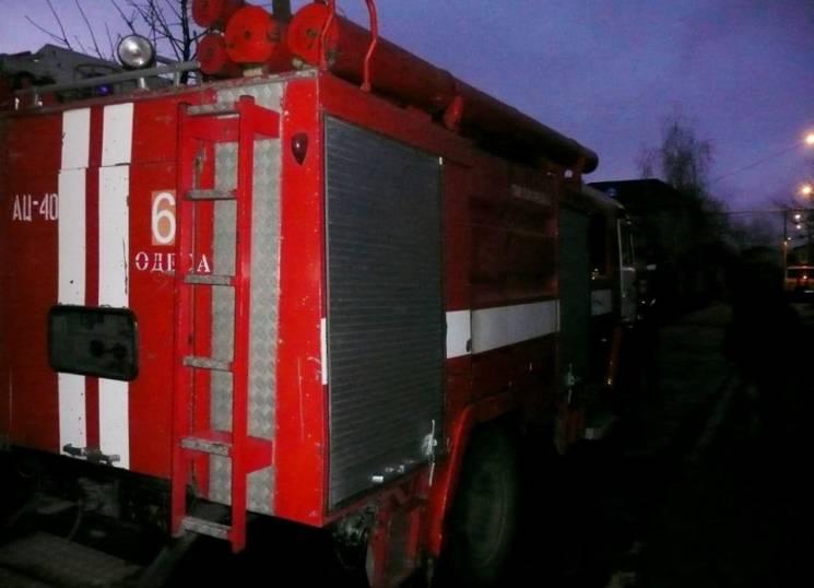 На місці пожежі в Одесі знайдені тіла дв…